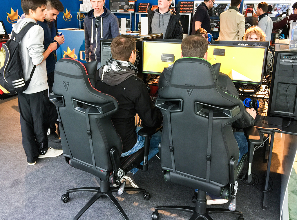 Vertagear_ESL_ONE-6.jpg